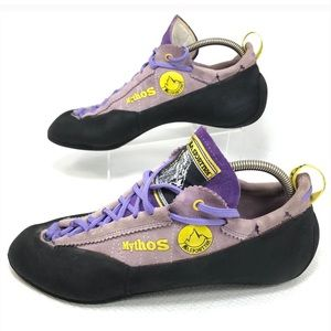 Mint condition climbing shoes fro La Sportiva.